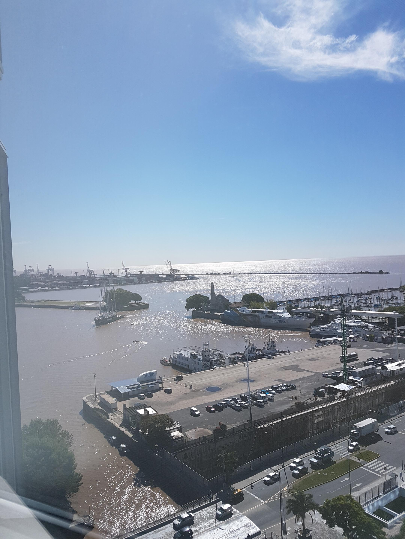 puerto-madero-buenos-aires-argentina